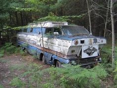 1962 Buick Motor Home. Someone needs to save this beast...