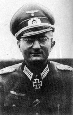 ✠ Hanns Laengenfelder (February 8th, 1903 - July 18th, 1982) RK 21.10.1943 Oberstleutnant Kdr Gren.Rgt 106 15. Infanterie – Division [EL o.Nr.] 30.04.1945 Generalmajor Kdr 15. Inf.Div