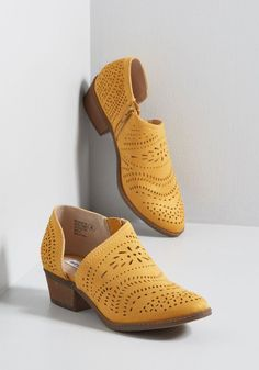 ffb3e244f1e Engineering Ensembles d Orsay Bootie in Mustard in 7.5