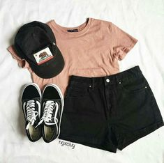 Summer Outfits 2018 Shorts many Summer Teenage Outfits For Sale for Cute Summer Outfits For Older Ladies Teenage Outfits, Summer Fashion Outfits, Ootd Fashion, Shorts Outfits For Teens, Womens Fashion, Outfits For Girls, Vans Outfit Girls, Casual Teen Fashion, Running Outfits