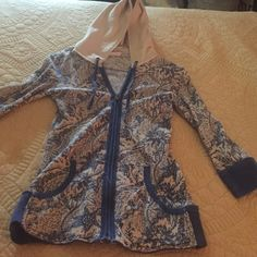 FREE PEOPLE LIGHT ZIP UP GORGEOUS ZIP UP FOR THE SUNMER OR SPRING Free People Sweaters