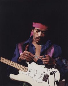hendrix on stage reading a fan's song request / maple leaf gardens in toronto, canada, 1969