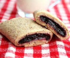 If you've always wanted to try your own fig Newton recipe, try these Homemade Berry Newtons! It's a really easy recipe for a homemade version of Newtons that's actually a little healthier for you. Baking Recipes, Snack Recipes, Dessert Recipes, Snacks, Desserts, Yummy Recipes, Homemade Fig Newtons, Good Food, Yummy Food