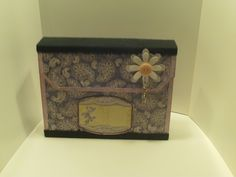 Kleine Kartenbox / card folder / Fächermappe für bis zu 5 Karten oder ähnliches. Lila / Rosa mit dezenter Deko Decorative Boxes, Home Decor, Lilac, Boxes, Cards, Deco, Decoration Home, Room Decor, Home Interior Design