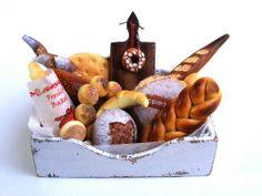 Bakery box - Miniature in 1:12 by Erzsébet Bodzás, IGMA Artisan
