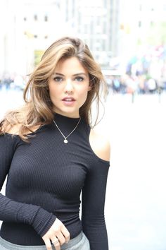 Danielle Campbell: On Kickboxing, Sunscreen, And Apples With Peanut Butter — The New Potato