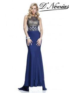Espectacular vestido con bordado en la parte superior y falda en crepe de seda.