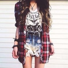 idk what I love more the hair or the flannel.