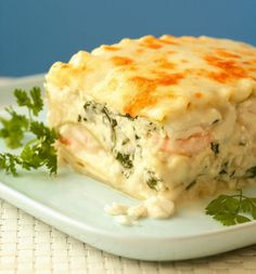 Sensational Seafood Lasagna from Everyone Can Cook Seafood by Eric Akis. I would add more spices and white wine. I Love Food, Good Food, Yummy Food, Fish Dishes, Pasta Dishes, Fish Recipes, Great Recipes, Lump Crab Meat Recipes, Fancy Recipes