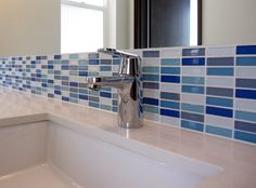 Hatano Studios does it again with a cool kids' #bathroom. The #backsplash is our exclusive #Lush 1/2x2 glass #tile blend Hudson. www.modwalls.com