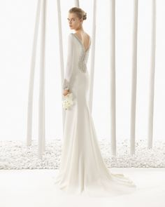 Crepe wedding dress with beadwork detail. Rosa Clará 2016 Collection.