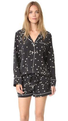 Equipment Lillian Printed Washed-silk Pajama Set In Black Cute Sleepwear, Sleepwear & Loungewear, Sleepwear Women, Lingerie Sleepwear, Pajamas Women, Night Pajama, Pajama Set, Cute Pjs, Best Pajamas