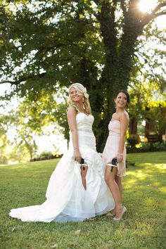 Read More: http://www.stylemepretty.com/texas-weddings/2014/01/24/romantic-southern-wedding-at-simple-elegance/