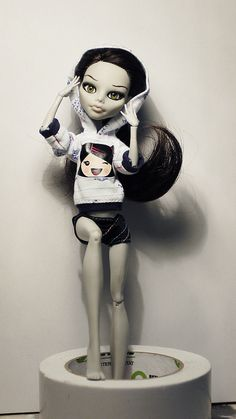 monster high doll custom ghoulia yelps by i1473, via Flickr