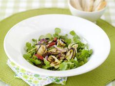 Perfect voor bij de barbecue - Libelle Lekker! Barbecue, Cabbage, Vegetables, Food, Salad, Dragon Flies, Bbq, Barrel Smoker, Veggies