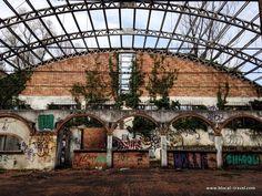 Veneland, abandoned amusement park - #urbex Abandoned places in Veneto Italy || Read my blogpost here: http://www.blocal-travel.com/urbex/industrial-archaeology/urbex-italy-veneto/