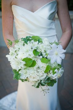 White and green bouquet | Christopher Duggan Photography