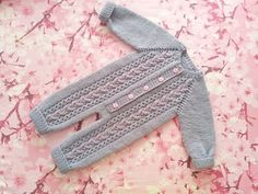 #вязаныйкомбинезон для девочки может быть и серого цвета , почему бы и нет.Выполнен на заказ. #длясамыхмаленьких#теплоикрасиво#вяжутнетолькобабушки#вязаниедлядетей#люблювязать#серый#ручнаяработаякутск#knitt#strikk#handmade#knittinglove Knitting For Kids, Baby Knitting, Crochet Baby, Knit Crochet, Toddler Outfits, Kids Outfits, Baby Cocoon, Knitted Baby Clothes, Diaper Covers