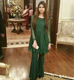 Everybody wants to look beautiful and charming.Here in this article, we will tell you party wear dresses for girls. Simple Pakistani Dresses, Pakistani Wedding Outfits, Pakistani Dress Design, Indian Dresses, Indian Outfits, Wedding Hijab, Wedding Wear, Stylish Dresses, Simple Dresses