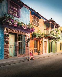 Cartagena, Colombia with Anastasia & Jean-Pierre Wanderland, Caribbean Sea, Historical Sites, Backpacking, Travel Destinations, Things To Do, Scenery, Liliana, The Incredibles