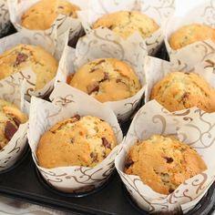 Bananmuffins med sjokoladebiter og nøtter