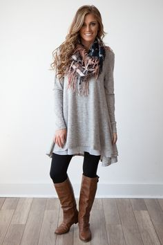 Love the style - Long Sleeve Layered Flare Tunic - Heather Grey - Casual Work Outfits, Casual Fall Outfits, Winter Fashion Outfits, Look Fashion, Autumn Fashion, Cute Outfits, Outfits With Boots, Boho Boutique, Boutique Clothing