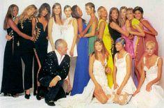 Versace S/S 1994 Gianni Versace with Naomi Campbell, Claudia Schiffer, Helena Christensen, Patricia Hartmann, Veronica Webb, Emma Sjoberg, Christy Turlington, Kate Moss, Yasmeen Ghauri, Carla Bruni & others  (Source: 80s-90s-supermodels)