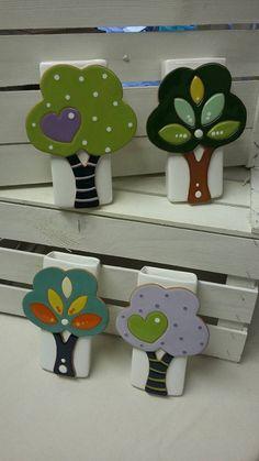 ceramica come mestiere: Umidificatori per termosifone. Originali e colorati. Albero, casa, e teiera.