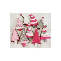 Pink christmas tree ❤ liked on Polyvore featuring home, home decor, holiday decorations, christmas home decor, pink home decor, pink home accessories, christmas holiday decorations and christmas holiday decor