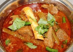 Know How to Make Spicy Indian Mutton Curry Veg Recipes Of India, Ethnic Recipes, Mutton Curry Recipe, Masala Curry, Lamb Curry, Vegetable Curry, Thing 1, Home Chef, Curry Recipes
