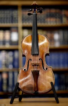 Stolen Ames Stradivarius violin is recovered after 35 years | Daily Mail Online
