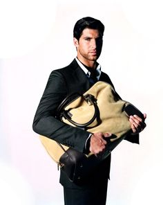 Shop LOEWE´s Iconic Puzzle, Gate and Animal Bags, and the Latest Ready-to-Wear Collections for Men and Women. Vanity Fair Magazine, Loewe Bag, Well Dressed Men, My Style, Hair Style, Mens Fashion, Weekender, Spain, Fine Watches
