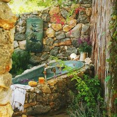 .Prefect outdoor bath with more greenery and flowers, fairy lights and lanterns