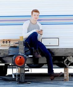 """Cameron Monaghan on set of 'Shameless' in Los-Angeles on 12 november, 2015. "" """