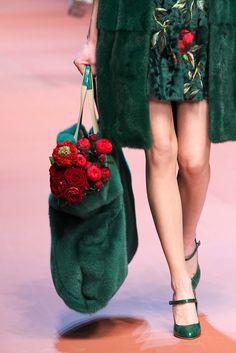 Dolce & Gabbana - Fall 2015 Ready-to-Wear - Look 21 of 160