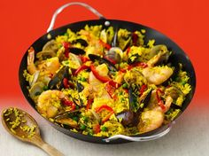Seafood Paella - Simple Seafood Paella Recipe   QueRicaVida.com