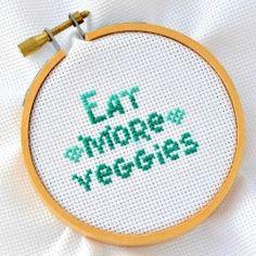 "Free cross stitch pattern ""Eat more veggies"""