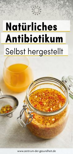 Natürliches Antibiotikum – Selbst hergestellt The recipe from a special mixture of antibiotic foods produces one of the most powerful of all natural antibiotics. You can find out how to make this antibiotic yourself in our detailed instructions. Healthy Juice Recipes, Healthy Juices, Detox Recipes, Eat Healthy, Healthy Breakfasts, Home Remedy For Cough, Natural Cough Remedies, Bad Cough, Menu Dieta