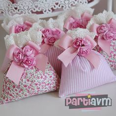 first birthday favors Diy Craft Projects, Diy And Crafts, Sewing Projects, Projects To Try, Lavender Bags, Lavender Sachets, Baby Shawer, Sewing Crafts, Favors