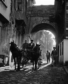 Ara Güler -Carruaje cerca de Şehzadebaşı, Istanbul 1958
