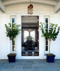 Like the flagstone of the porch - nice entrance