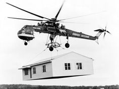 Image used to illustrate the details of the Sikorsky Tarhe / Erickson Skycrane Heavy-Lift Cargo / Firefighting Helicopter Black Hawk Helicopter, Helicopter Pilots, Us Military Aircraft, Military Helicopter, Military Jets, Igor Sikorsky, Pilot Humor, Aviation Humor, Prefab Homes