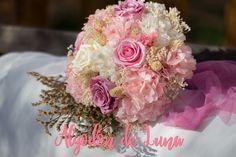Ramo de flores preservadas, personaliza  y tematiza, con flores por Siempre jamás info@algodondeluna.com o 606619349