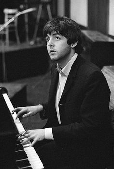 Paul McCartney (Paul: hmmm... what should I add in next to make a good song)