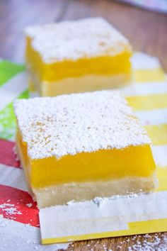 Easy Lemon Bars have a buttery shortbread crust, a tangy lemon curd filling and just 5 ingredients in the whole recipe that tastes like it came from a bakery! Desserts For A Crowd, Just Desserts, Delicious Desserts, Dessert Recipes, Lemon Desserts, Lemon Recipes, Baking Recipes, Apple Desserts, Dessert Bars