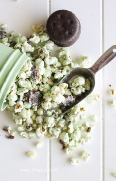 Yummy white chocolate thin min popcorn!