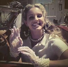Lana Del Rey News, Lana Del Ray, Lana Del Rey Hair, Lana Rey, Pretty People, Beautiful People, Elizabeth Grant, Brooklyn Baby, Old Money