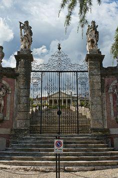 Lugo di Vicenza: Villa Piovene Porto Godi by netNicholls