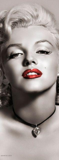 Marilyn Monroe by Frank Powolny, 1953.