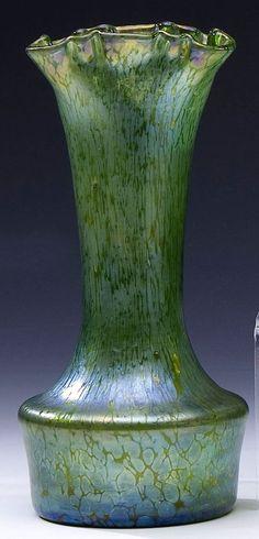 483: Vase Creta Papillon Loetz Glass Art Deco Nouveau : Lot 483